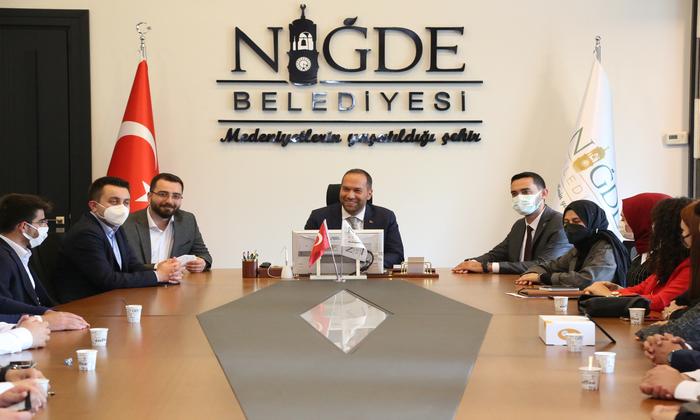 AK Parti Gençlik Kolları'ndan Başkan Özdemir'e Ziyaret
